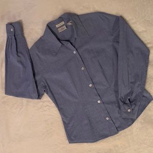 GAP woman's buttoned down pleated shirt